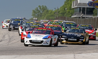 Nikko Reger Leads MX-5 Cup Pack at Road America