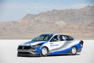 2019_Bonneville_Jetta_-Large-8843